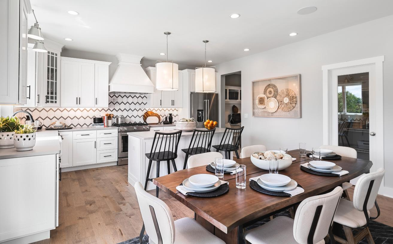 Gourmet kitchen and eat-in dining perfect for a family or guests