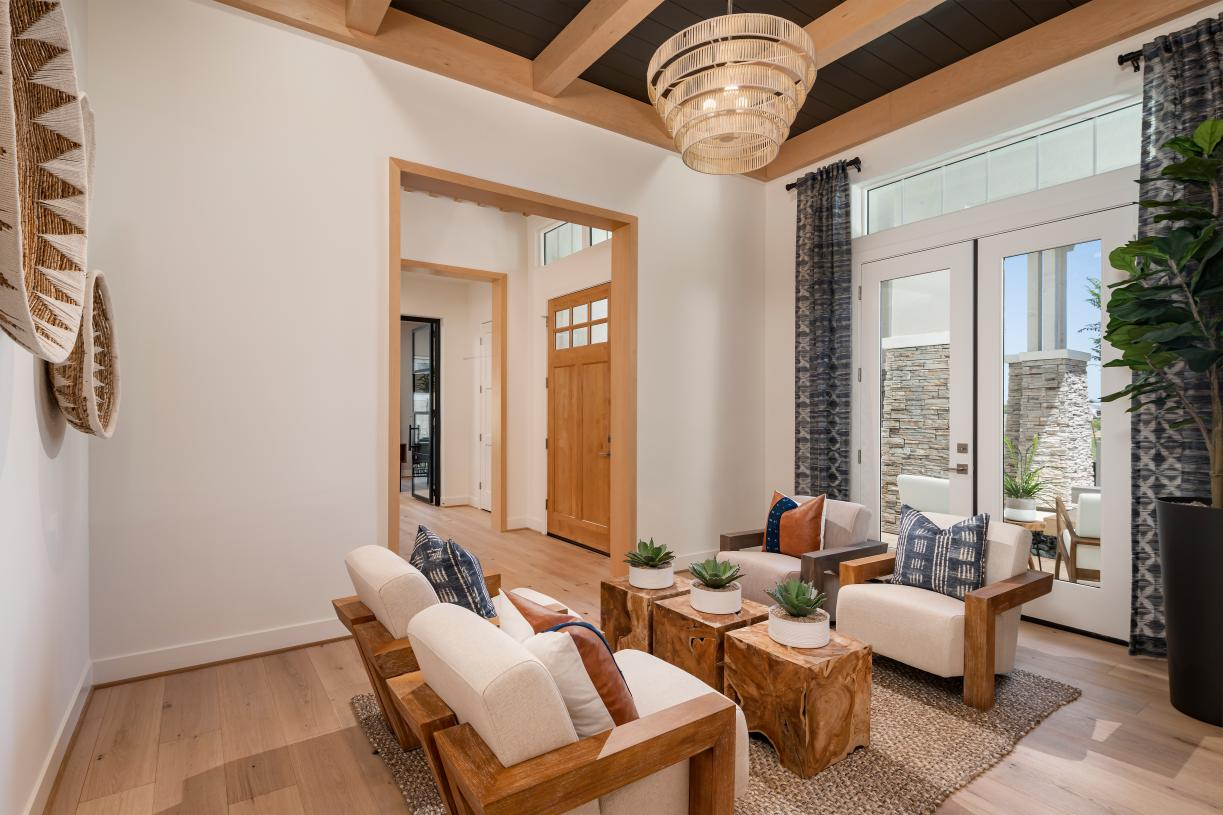 Spacious living room for additional entertaining space