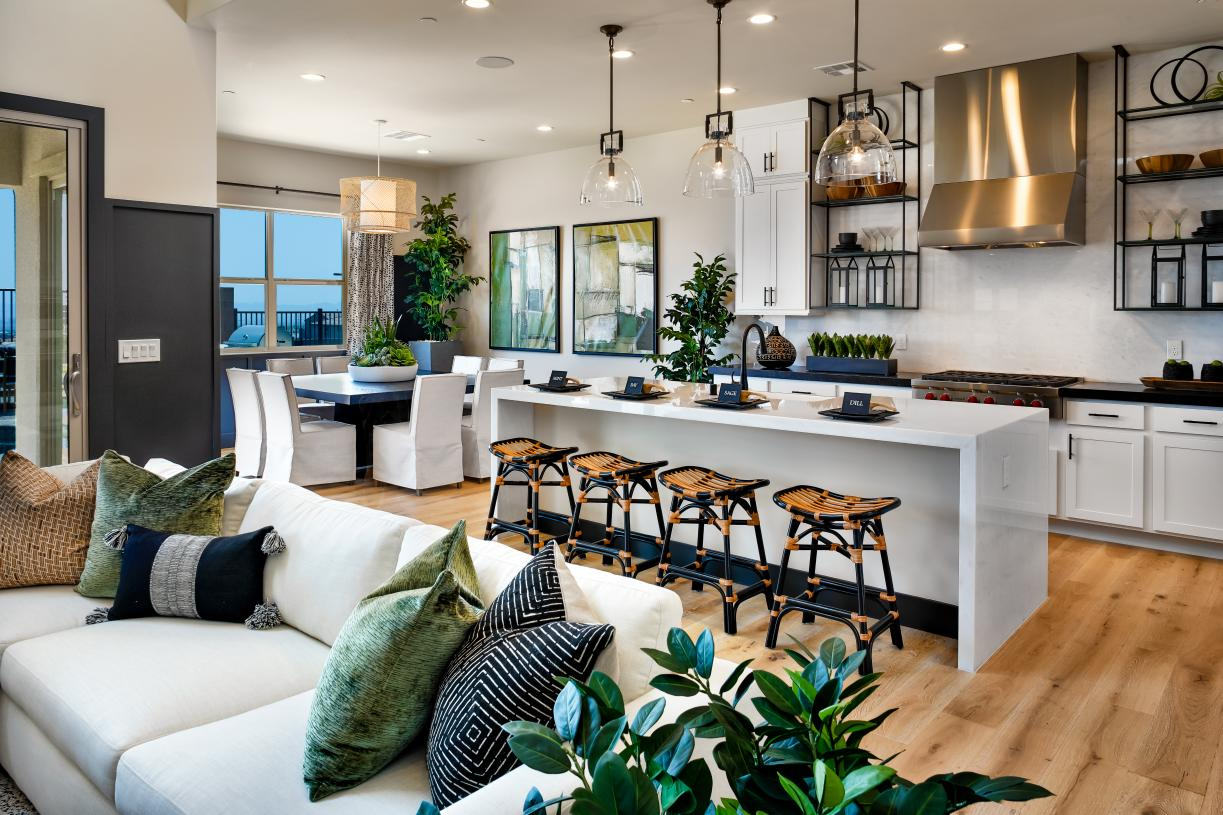 Spacious casual dining area off of the kitchen