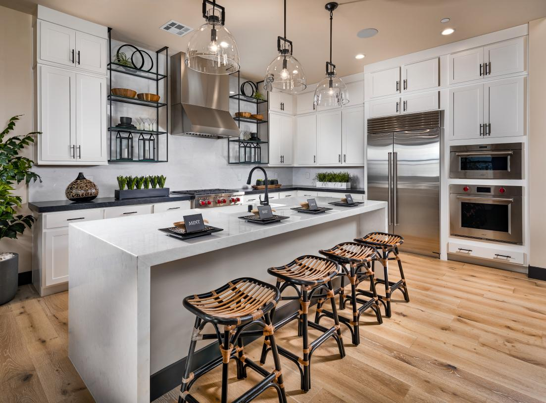 Gourmet kitchen with seating at center island