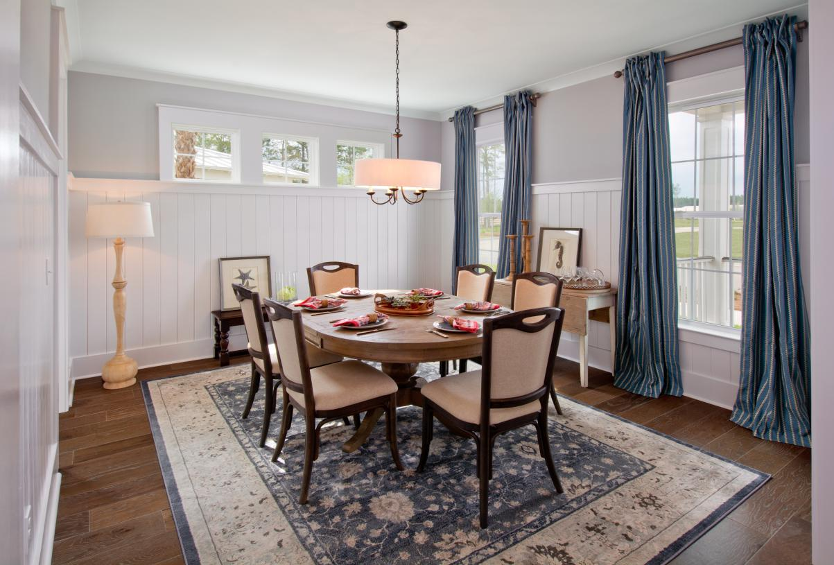Gorgeous formal dining rooms for entertainment