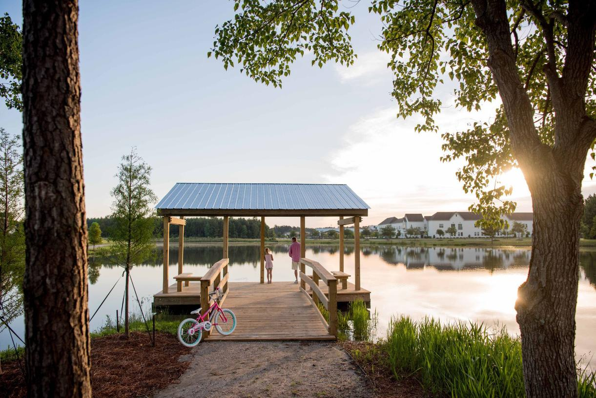 Carnes Crossroads community dock for outdoor relaxation
