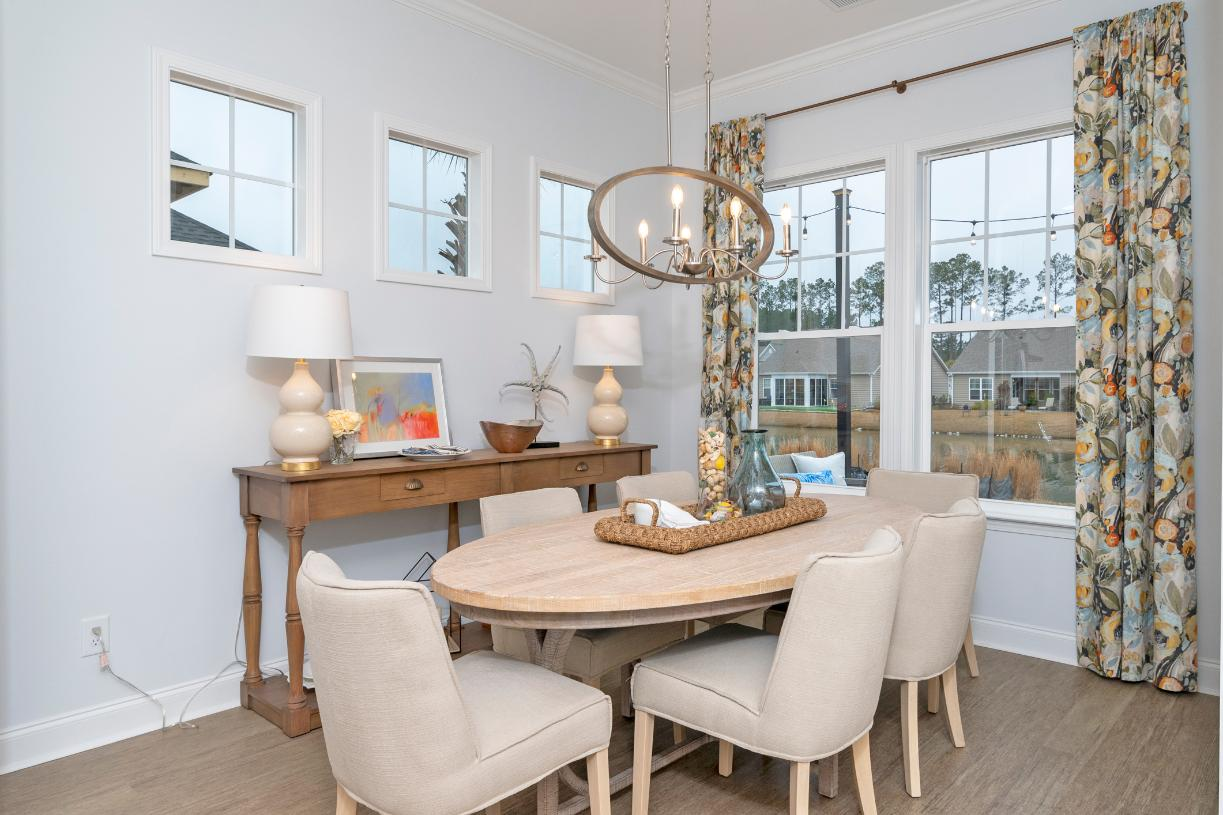 Casual dining areas adjacent to kitchens for entertaining