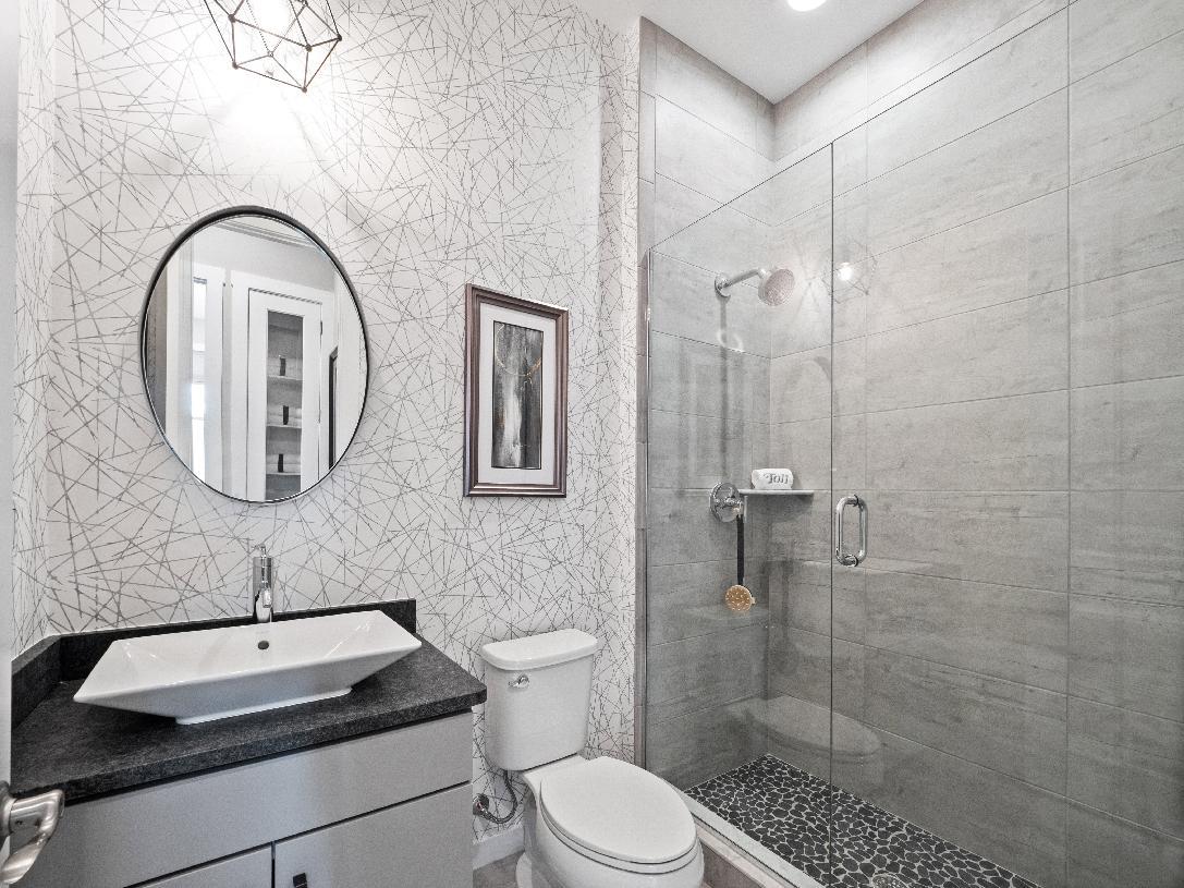 Full hall bath on first floor