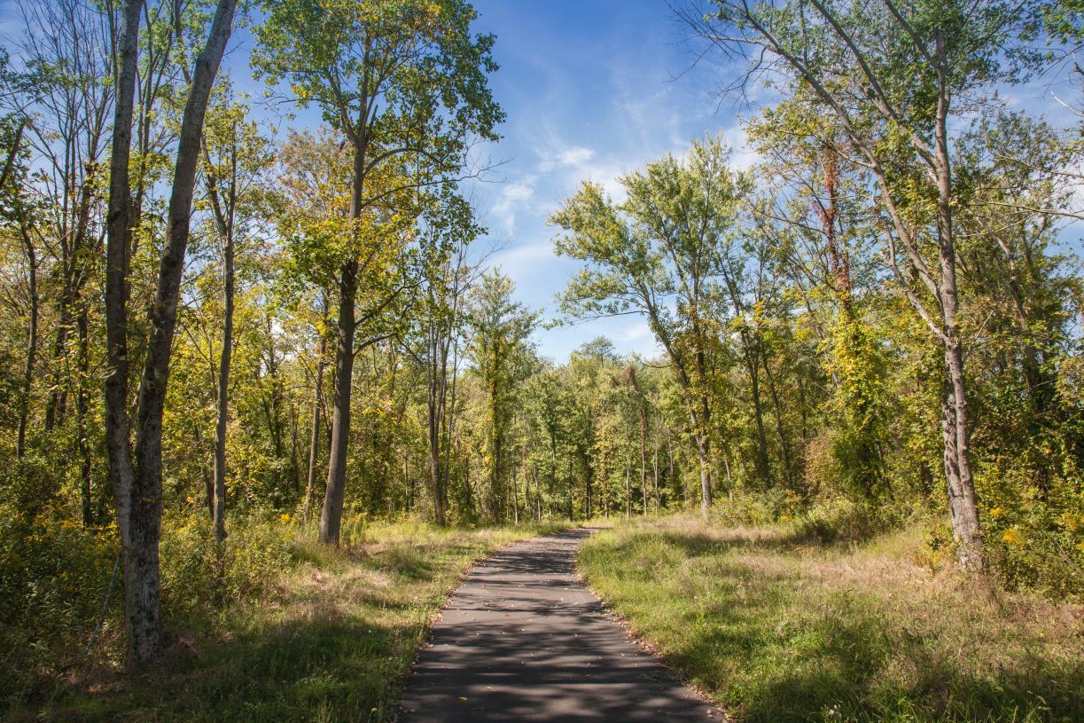 Amenities include community trails for walking, jogging or biking