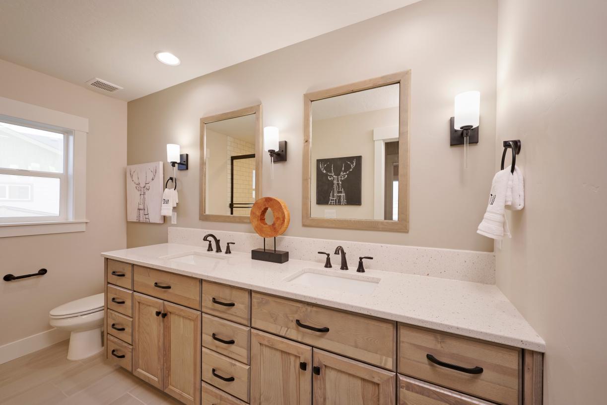 Secondary bathroom 1