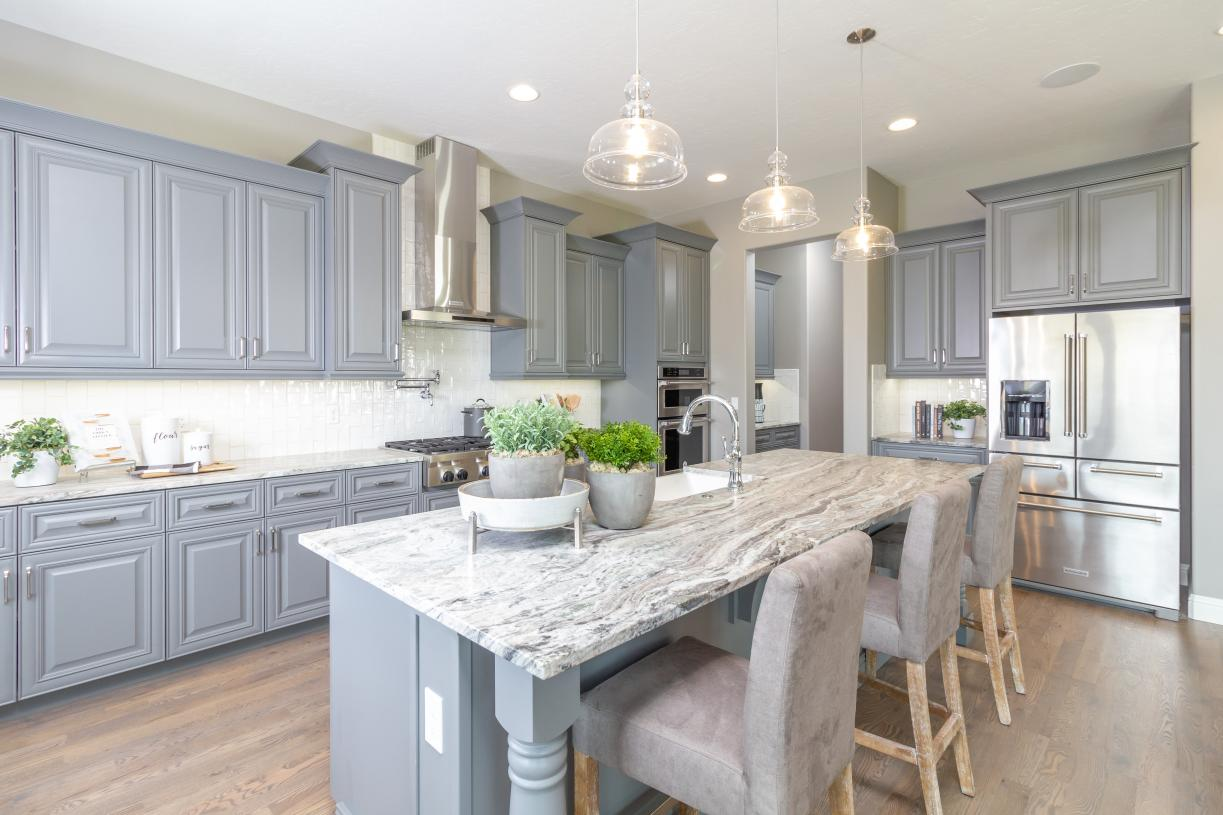 Large center island in kitchen perfect for entertaining