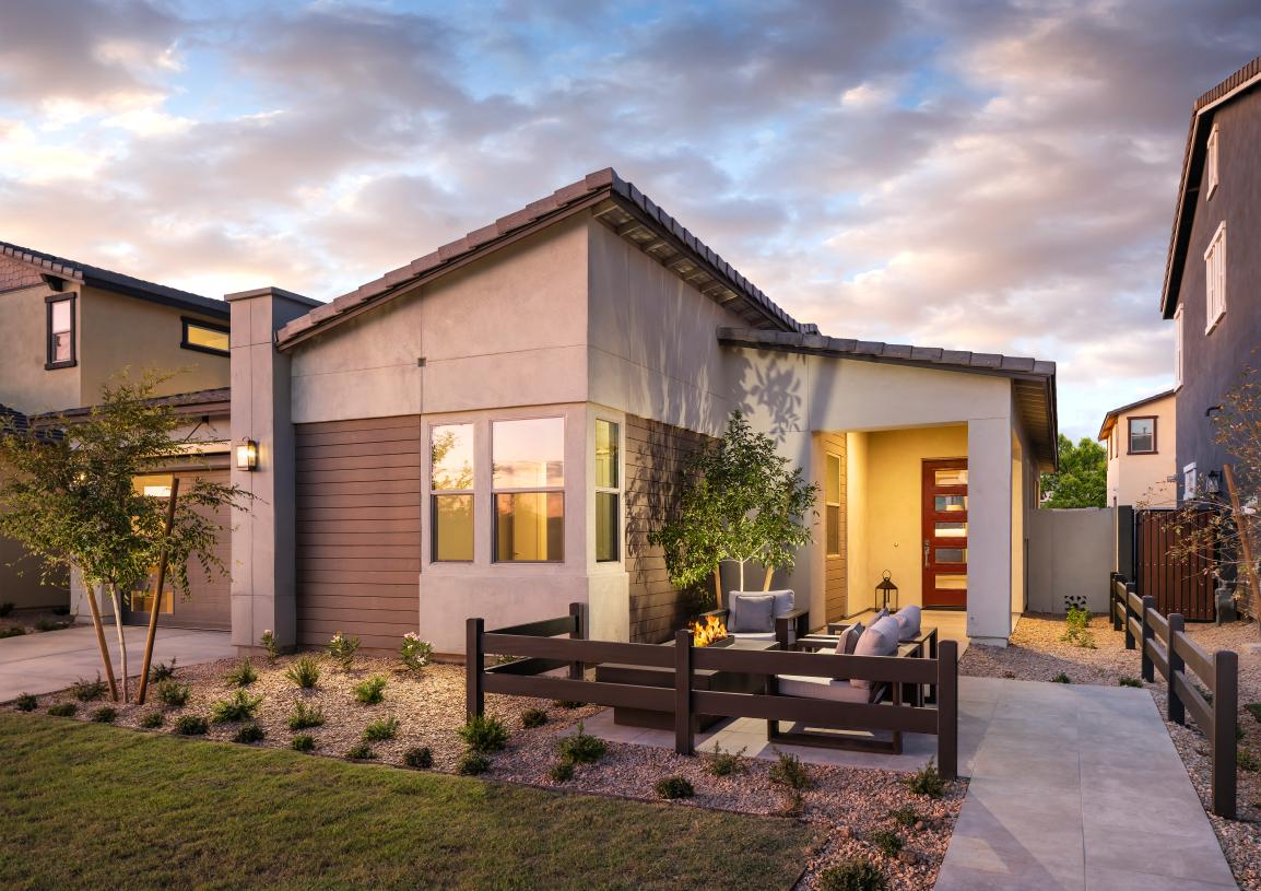 Modern exterior designs and front yard courtyards