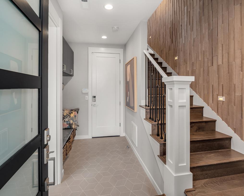 Lovely entry foyer