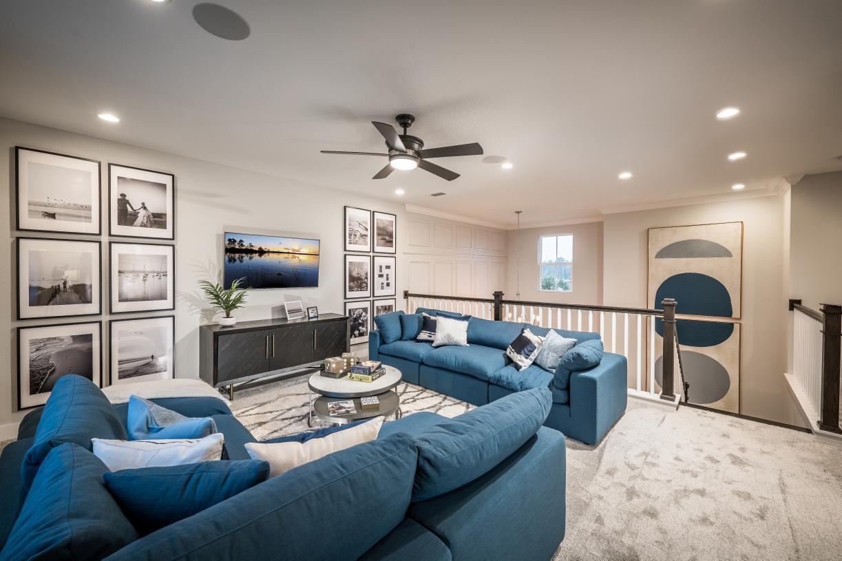 Expansive flex rooms