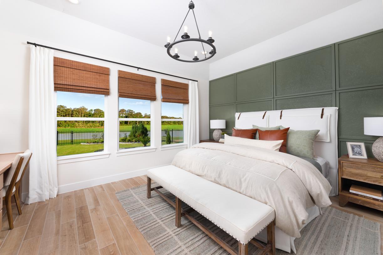 Angelo's cozy primary bedroom