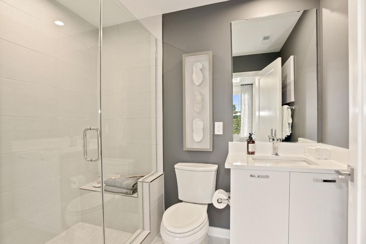 Convenient entry level bath