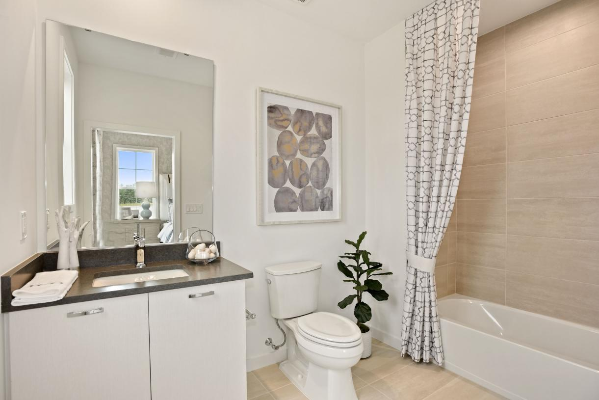 Well-appointed shared secondary bath