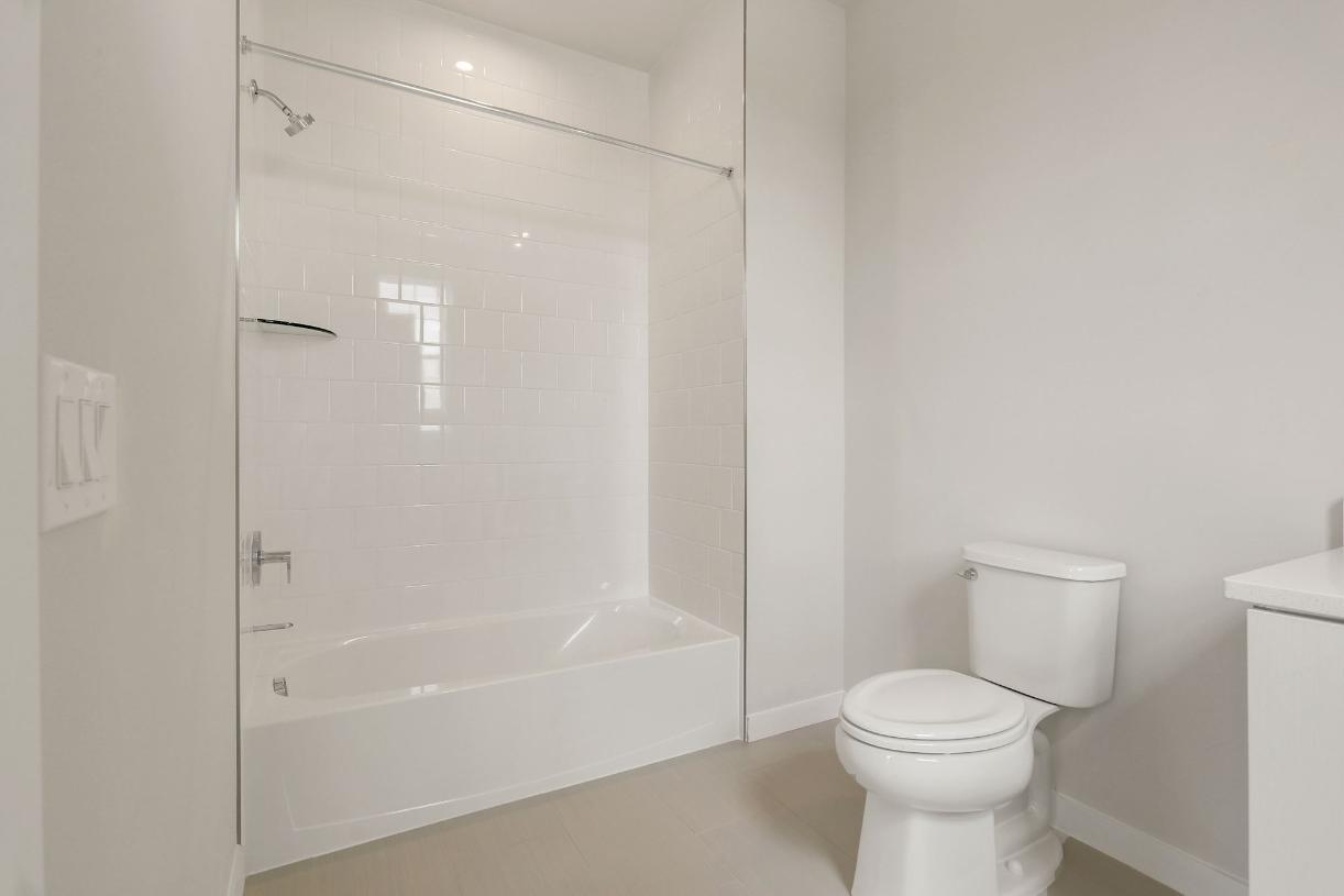 Secondary suite bathroom