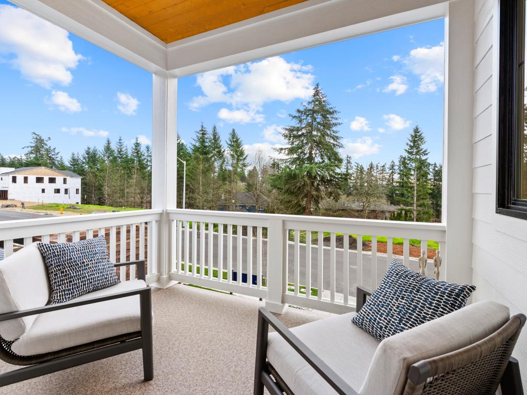 Covered deck off of great room