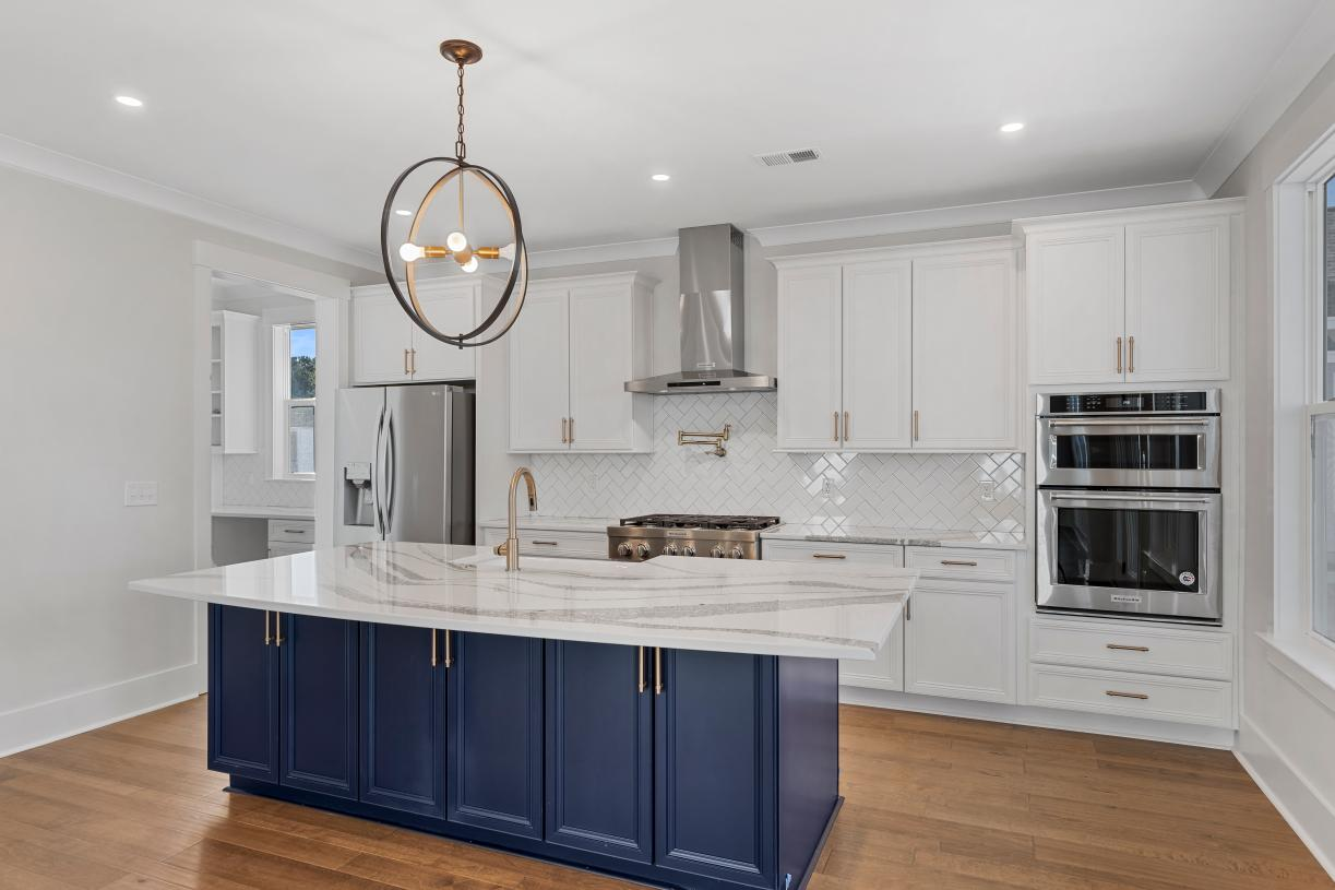 Luxurious kitchens with ample countertop and cabinet space