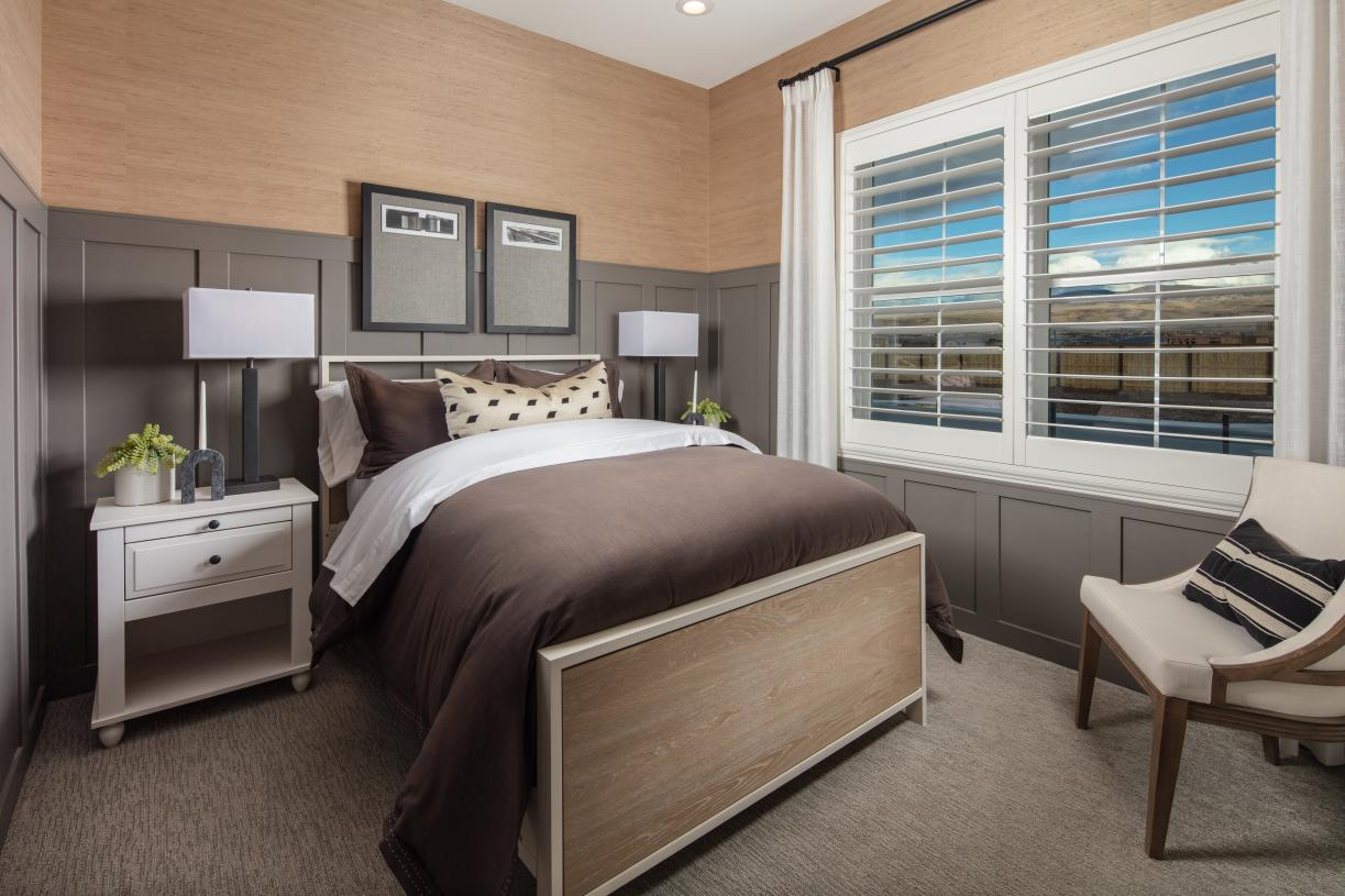 Conveniently located main level guest bedroom