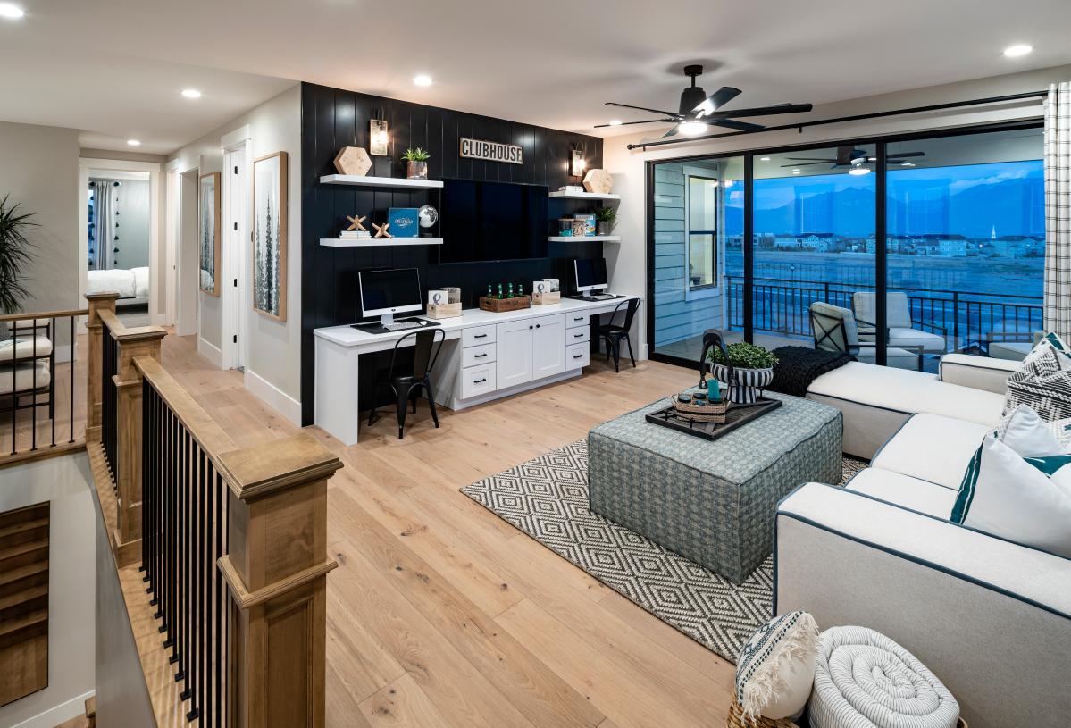 Second-floor loft with access to a covered deck