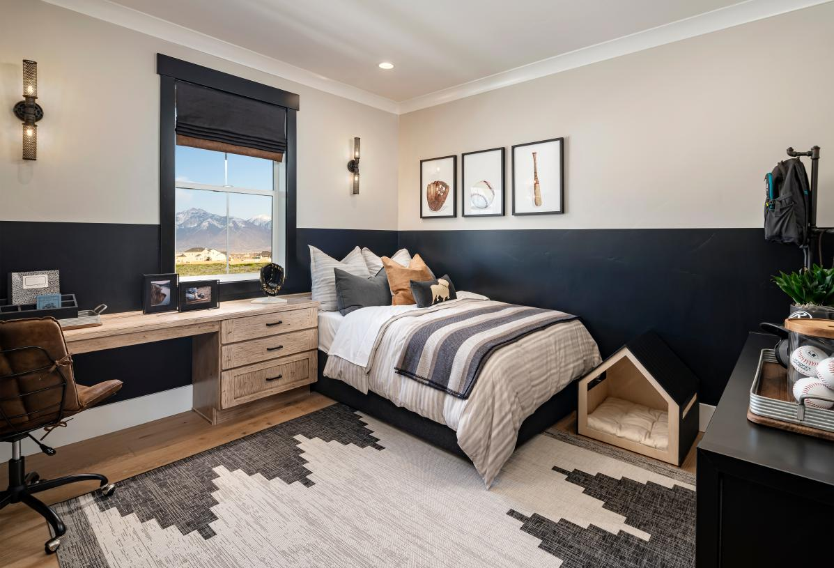 Spacious secondary bedroom suite with ample space to suite your needs