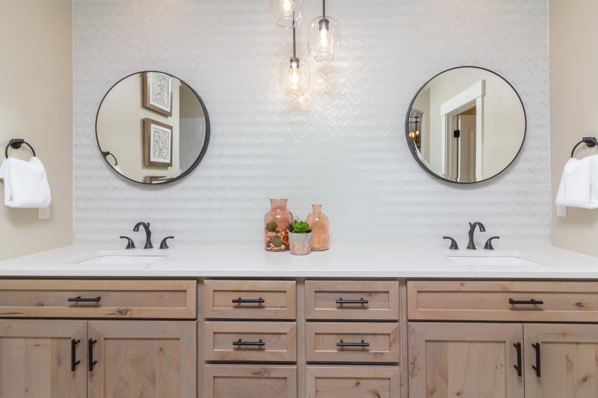 Primary bath with striking tile backsplash