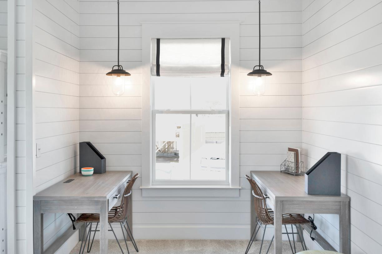 Versatile work and study spaces