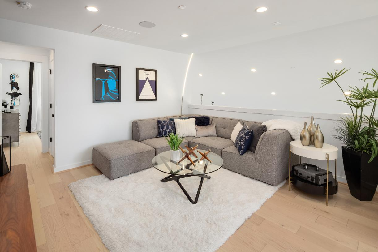 2nd floor loft with bedroom and bath is ideal for guests