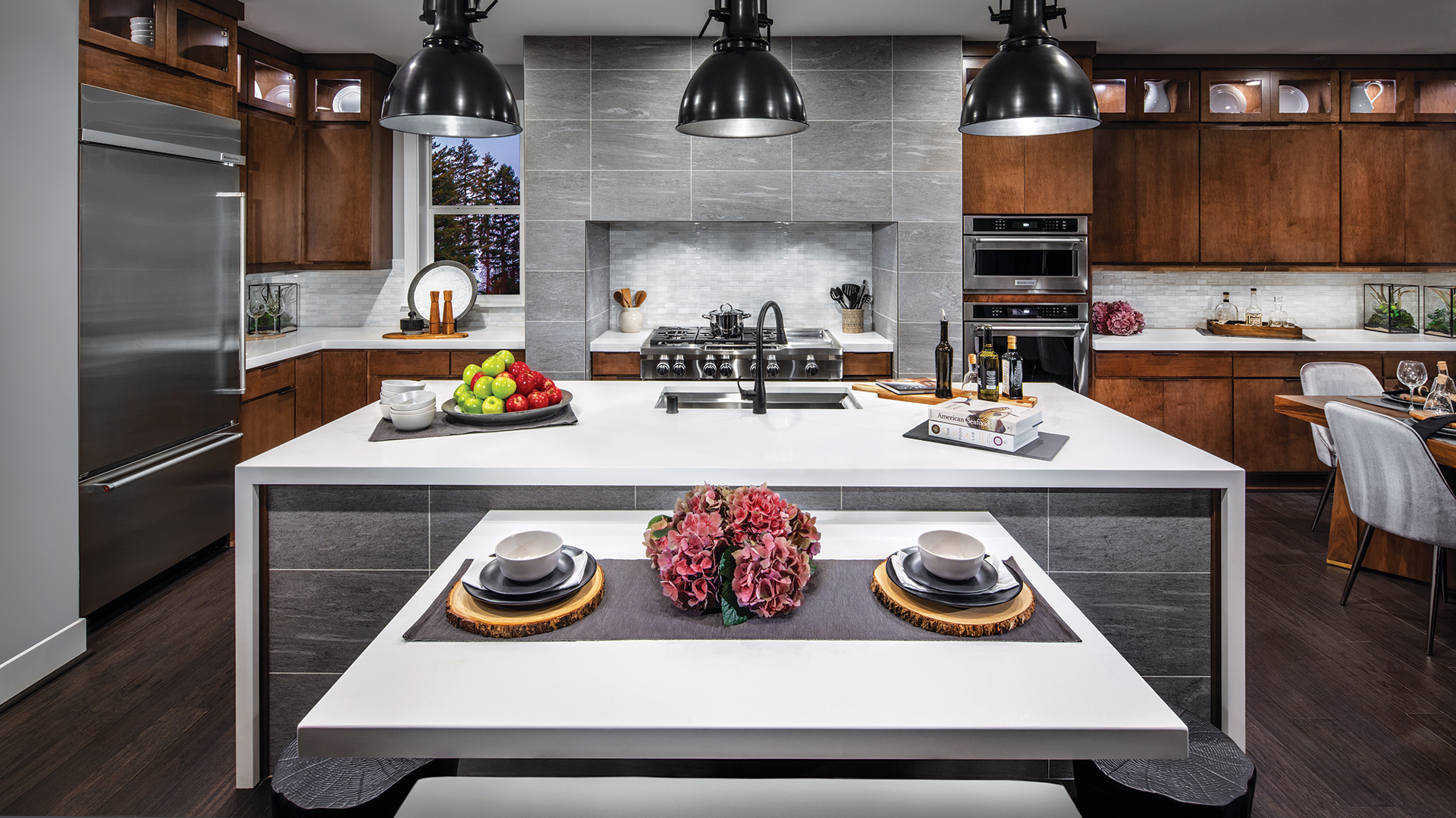 Create the kitchen of your dreams with the help of a designer at our Design Studio