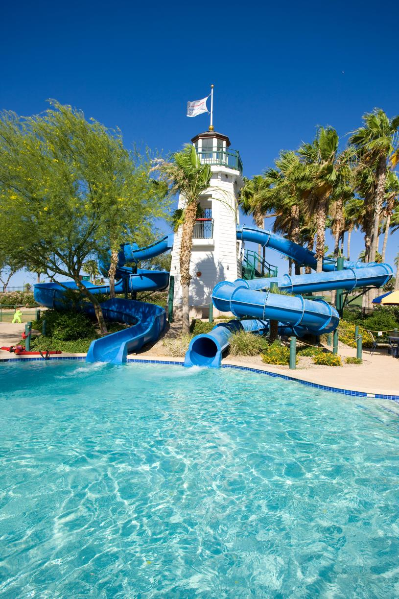 Estrella Master Plan amenities include two resident clubs with resort-style pools