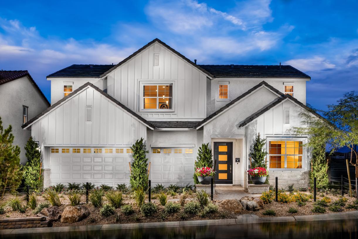 Montoro - Modern Farmhouse