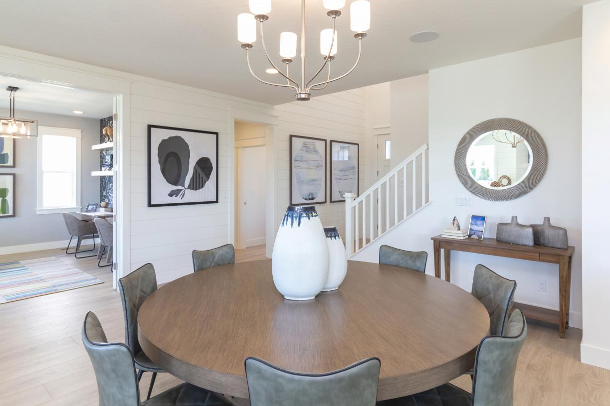 Enjoy a quick bite in this cheerful casual dining area