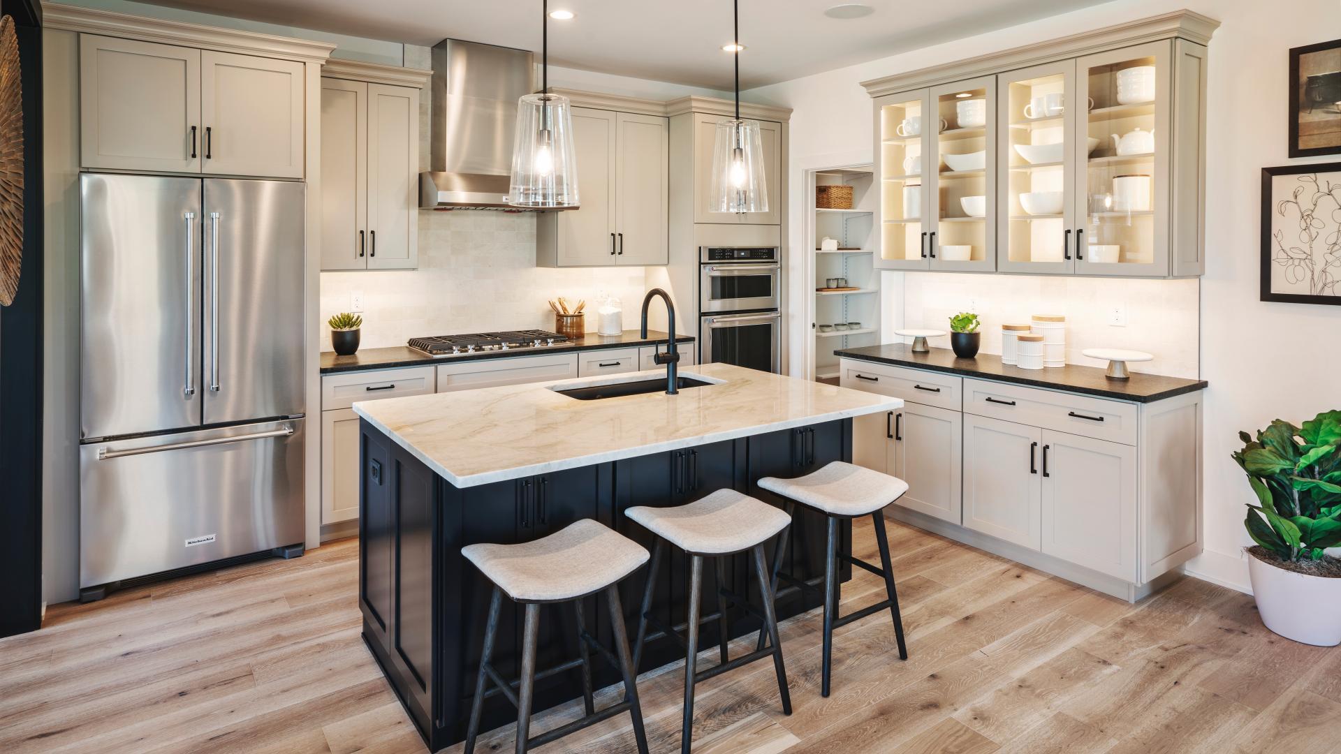 Nolan Elite kitchen with center island