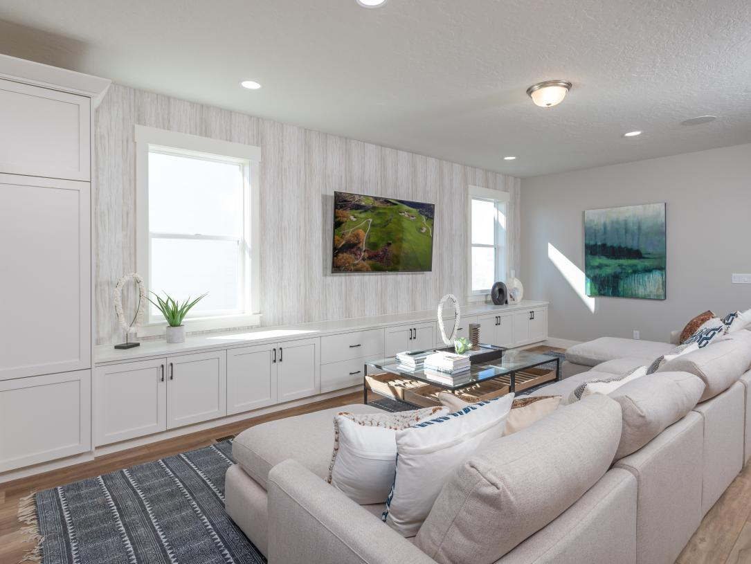 Spacious living areas for relaxing