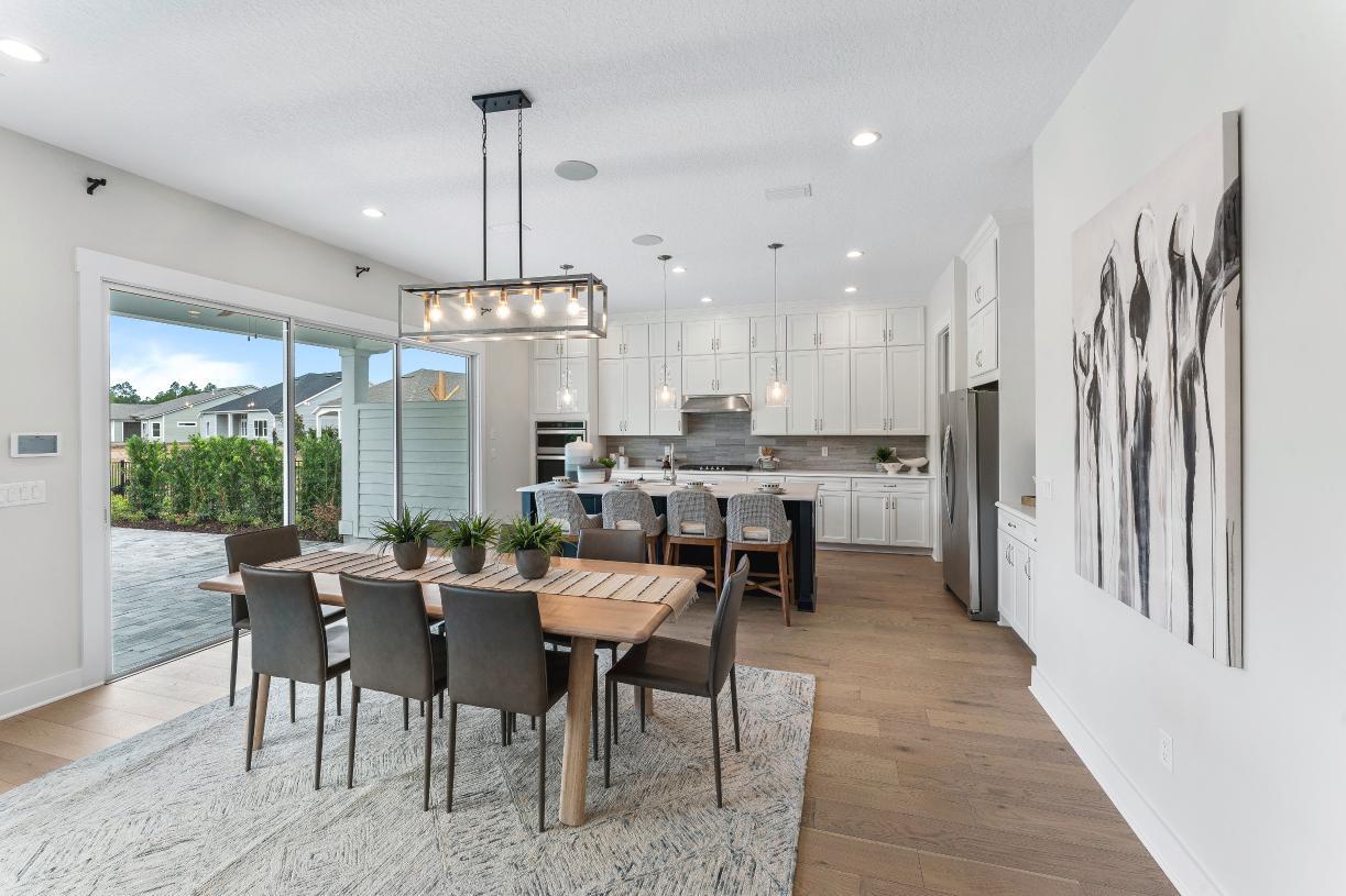 Gourmet kitchen & dining area