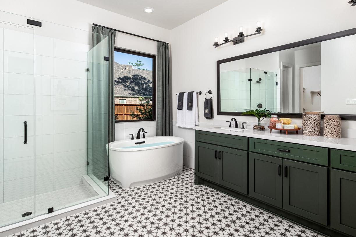 Lavaca's spa-like primary bathroom