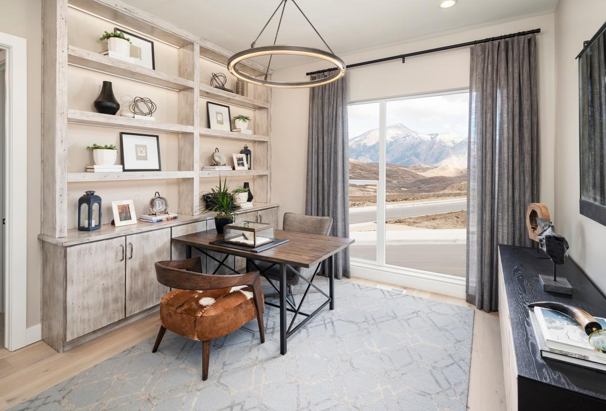 Versatile home office space to suit your needs