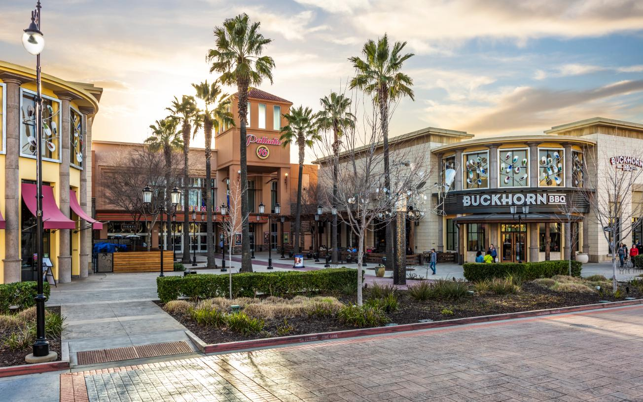 Palladio center offers exceptional dining and shopping options