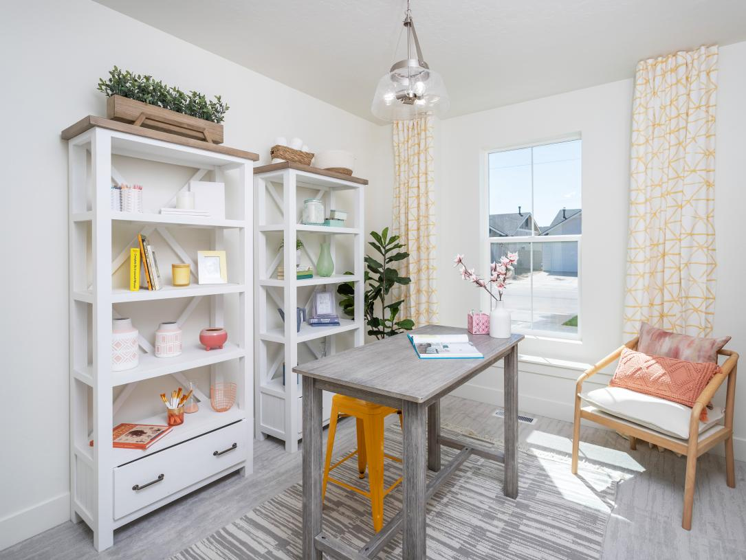 Convenient hobby and office spaces