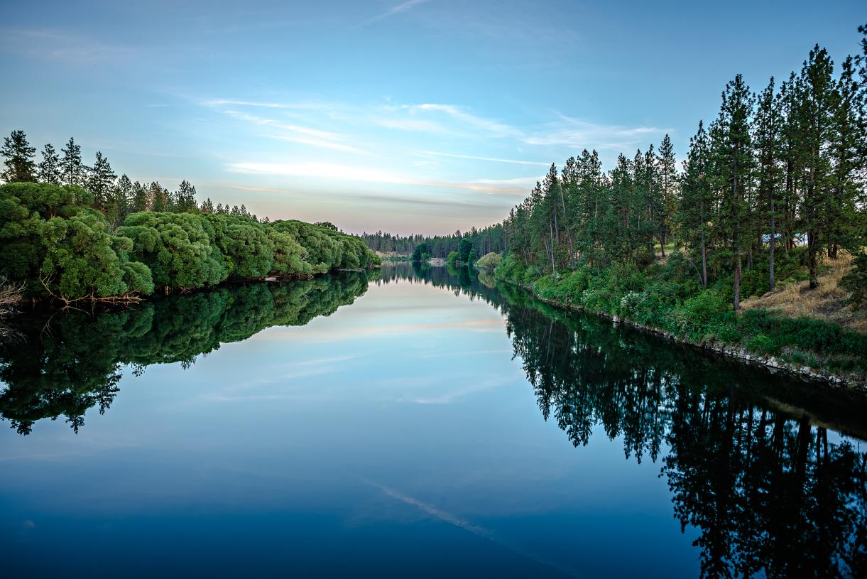 Nearby Nine Mile Reservoir and Long Lake on the Spokane River provide a multitude of recreational opportunities