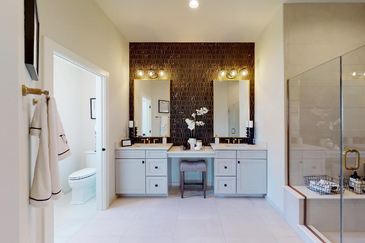 Luxurious primary baths