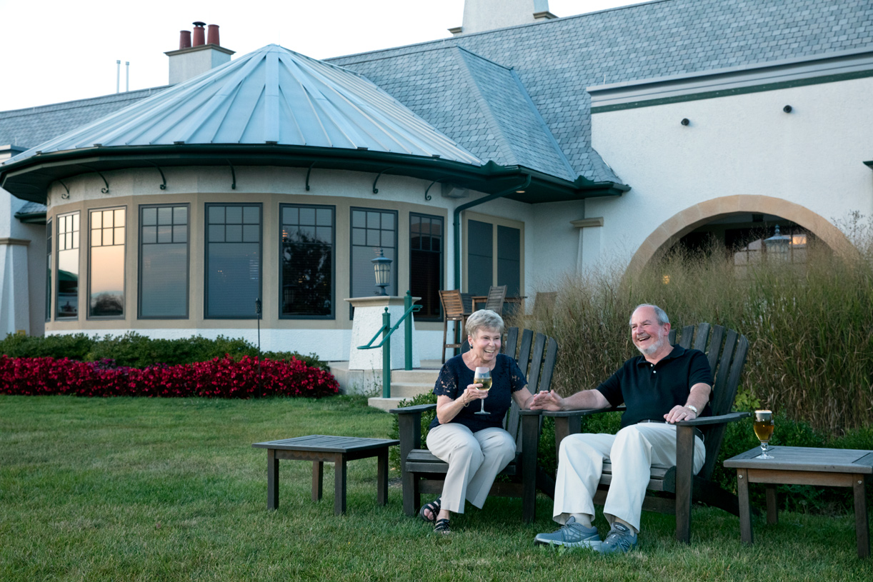 On-site restaurant also features outdoor seating with gorgeous golf course views