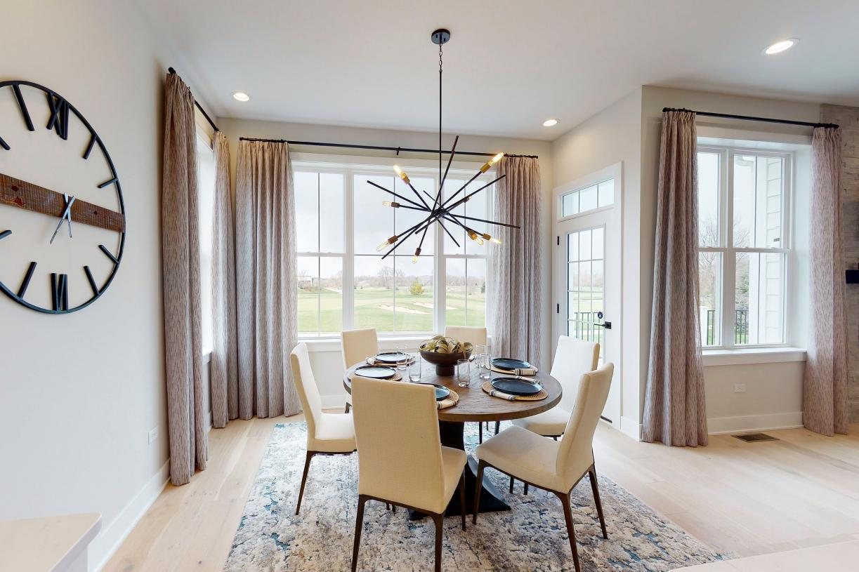 Light-filled casual dining area