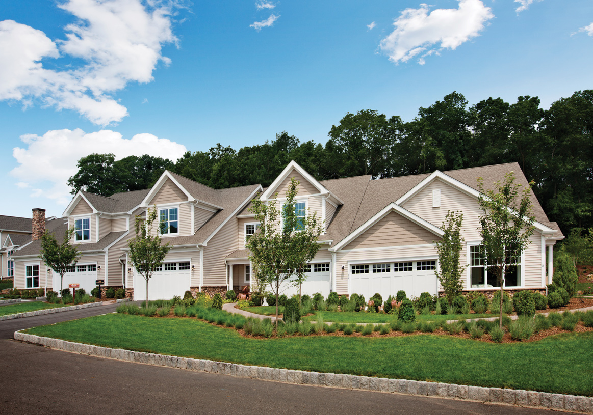 Newtown ct new homes master planned community newtown for Townhomes with first floor master