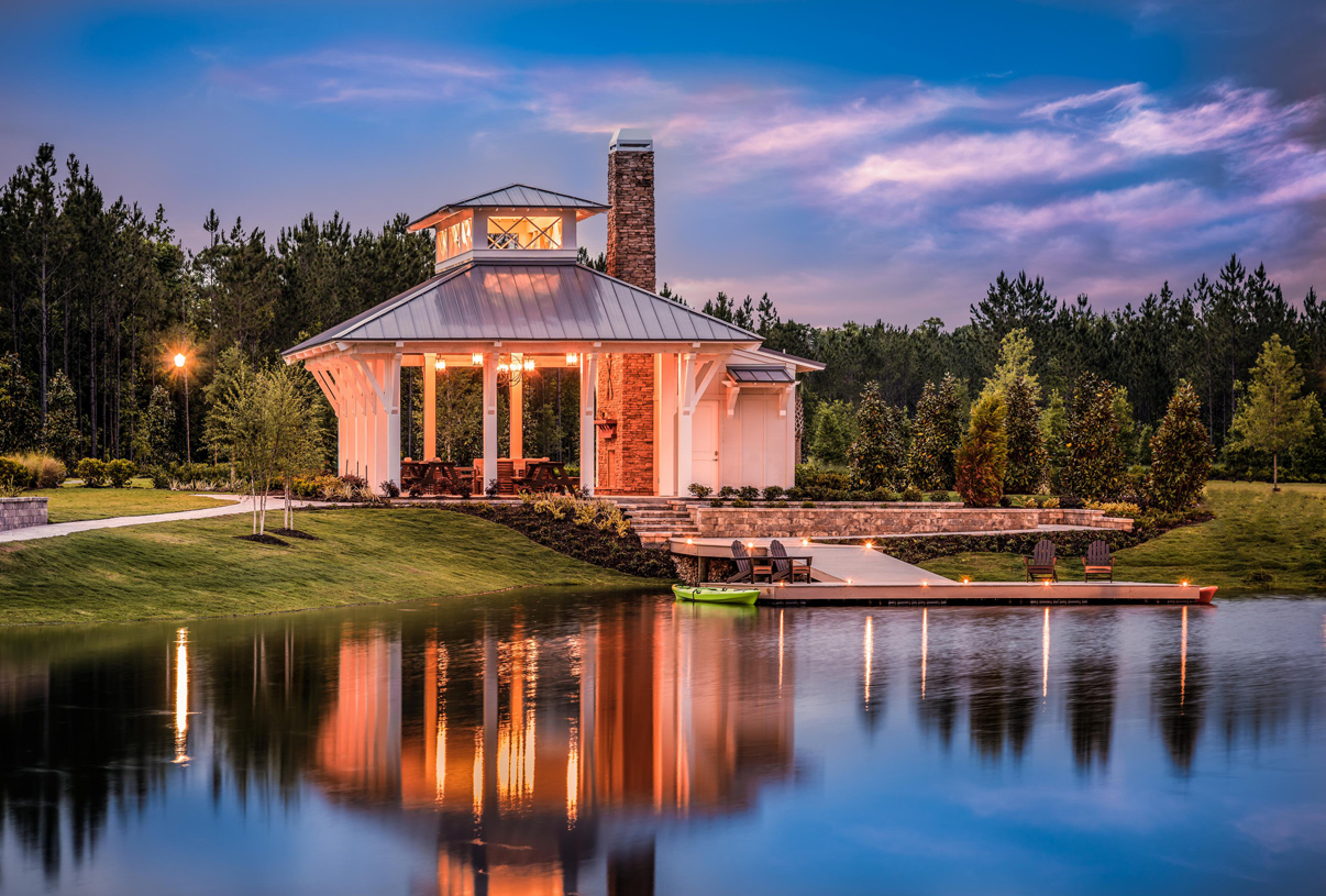 The Landing offers residents a open-air pavilion, fire pit, and dock with access to Lake Julington