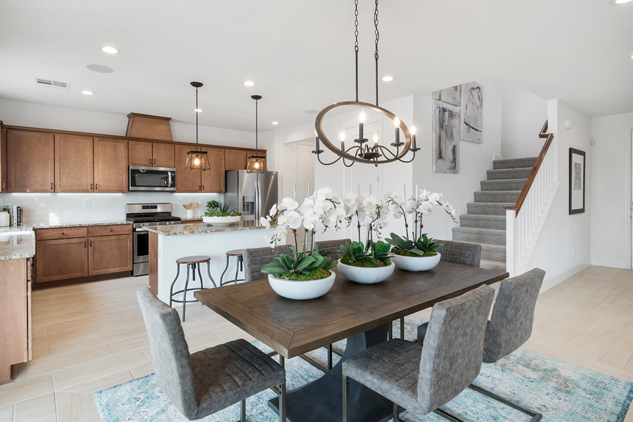 Alicante Madrona dining room and kitchen