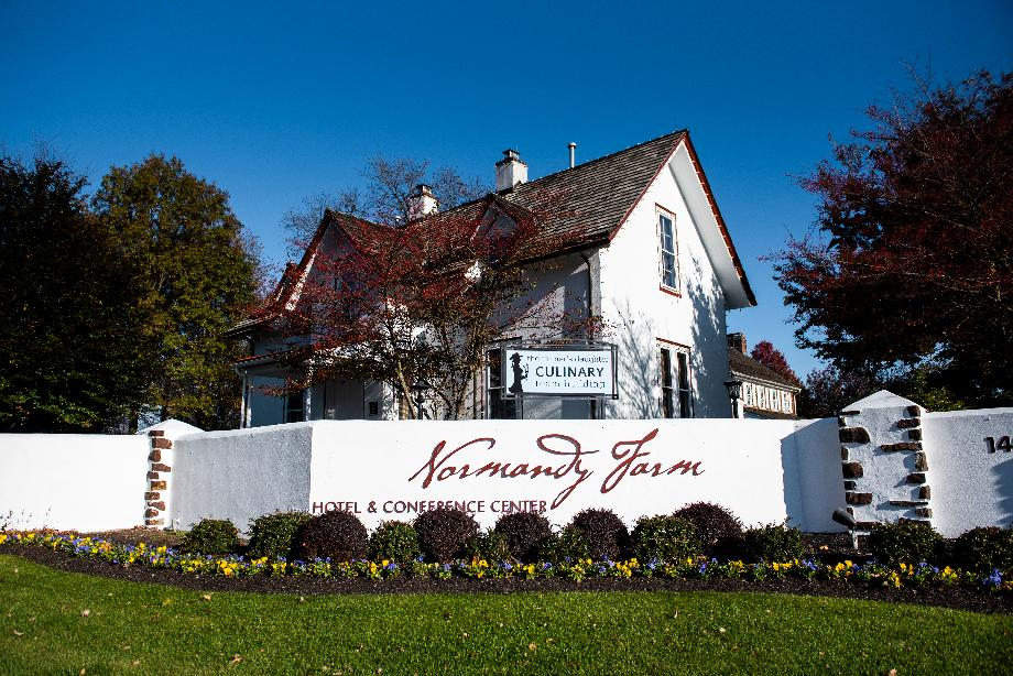 Quaint Normandy Farm Hotel, featuring popular local restaurant The Farmers Daughter
