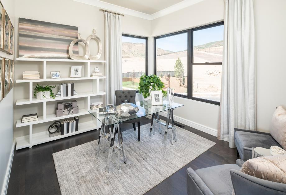 Versatile home office spaces