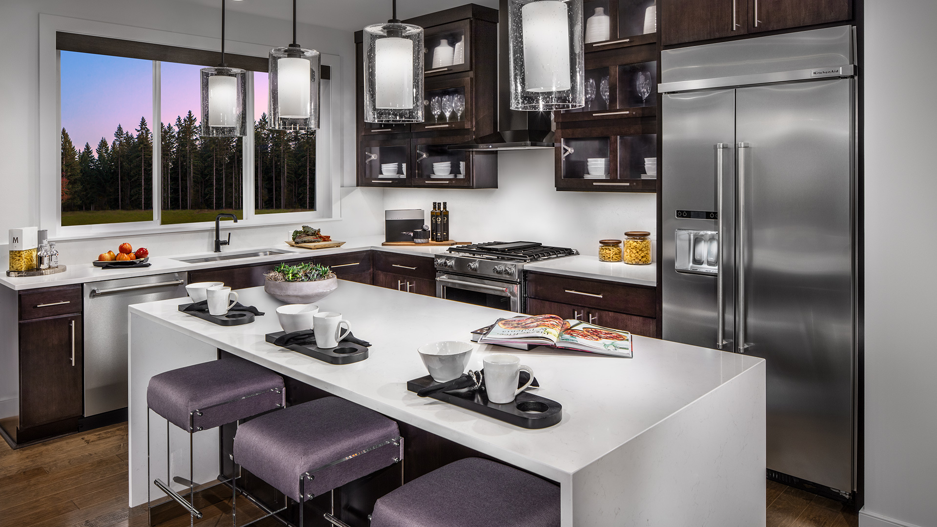 Create a show-stopping kitchen with the help of our designers at the Kirkland Design Studio