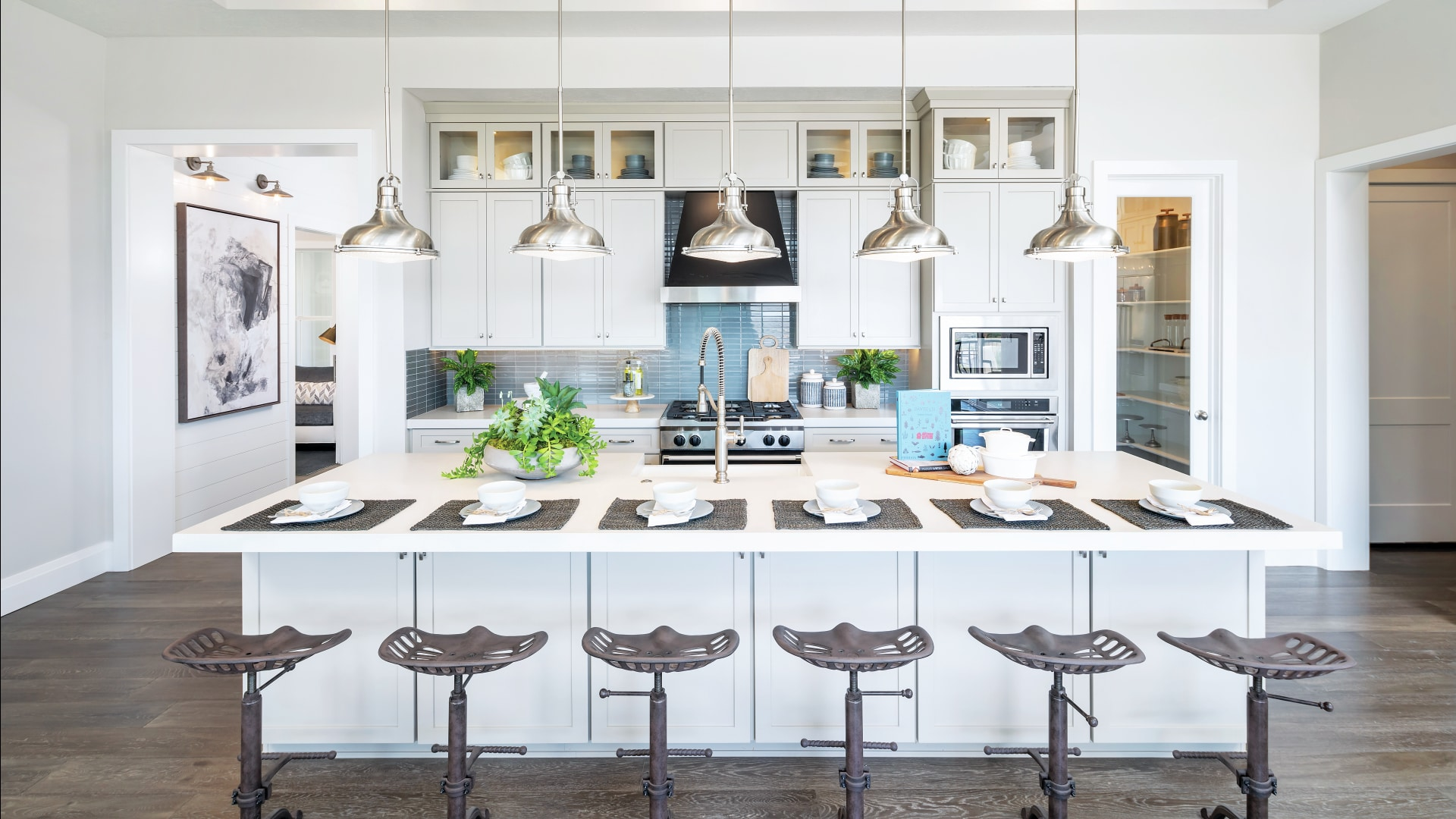 Gourmet kitchens with large islands and breakfast bars