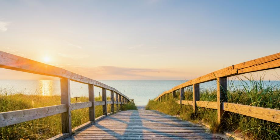 Nearby beautiful white sandy beaches for ocean activities and relaxation