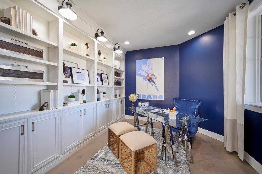 Large office spaces for at home working